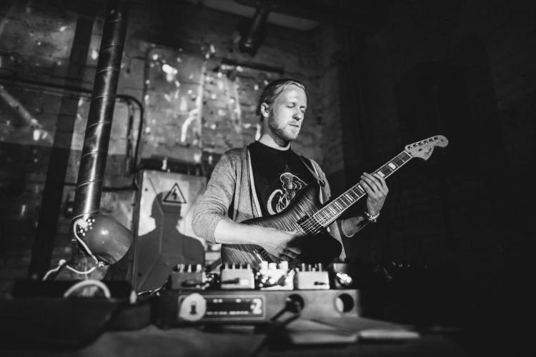 Argo Vals soolo kitarrikontsert tallinna kunstihoones