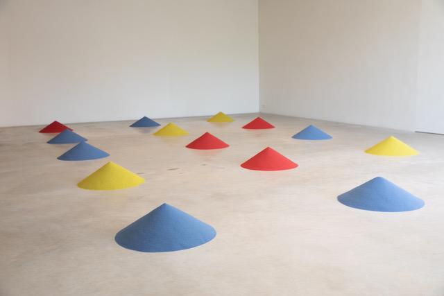 Judith Seng. A School of Fluid Measures. 2020. Foto Kristof Vlancken kunstniku loaga.